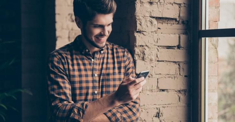 Erste Nachricht beim Online-Dating