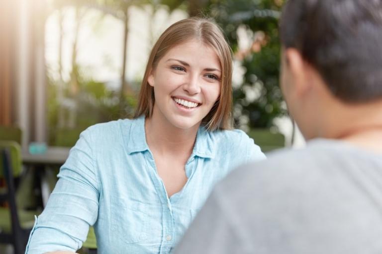 Gute fragen, um ein mädchen auf dating-site zu stellen