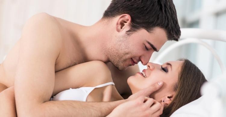 Wonach sehnen sich Paare beim Liebesspiel